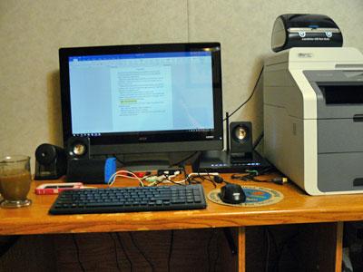 Desk_Maggie_Blackbird